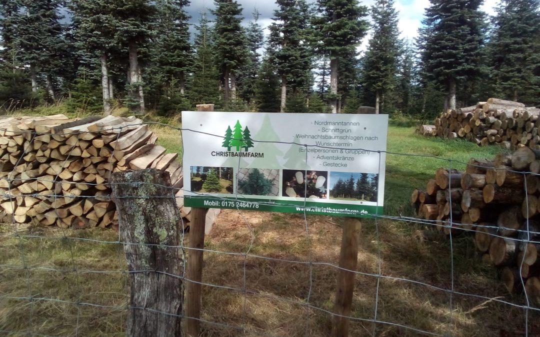 Neue Schilder bei der Christbaumfarm